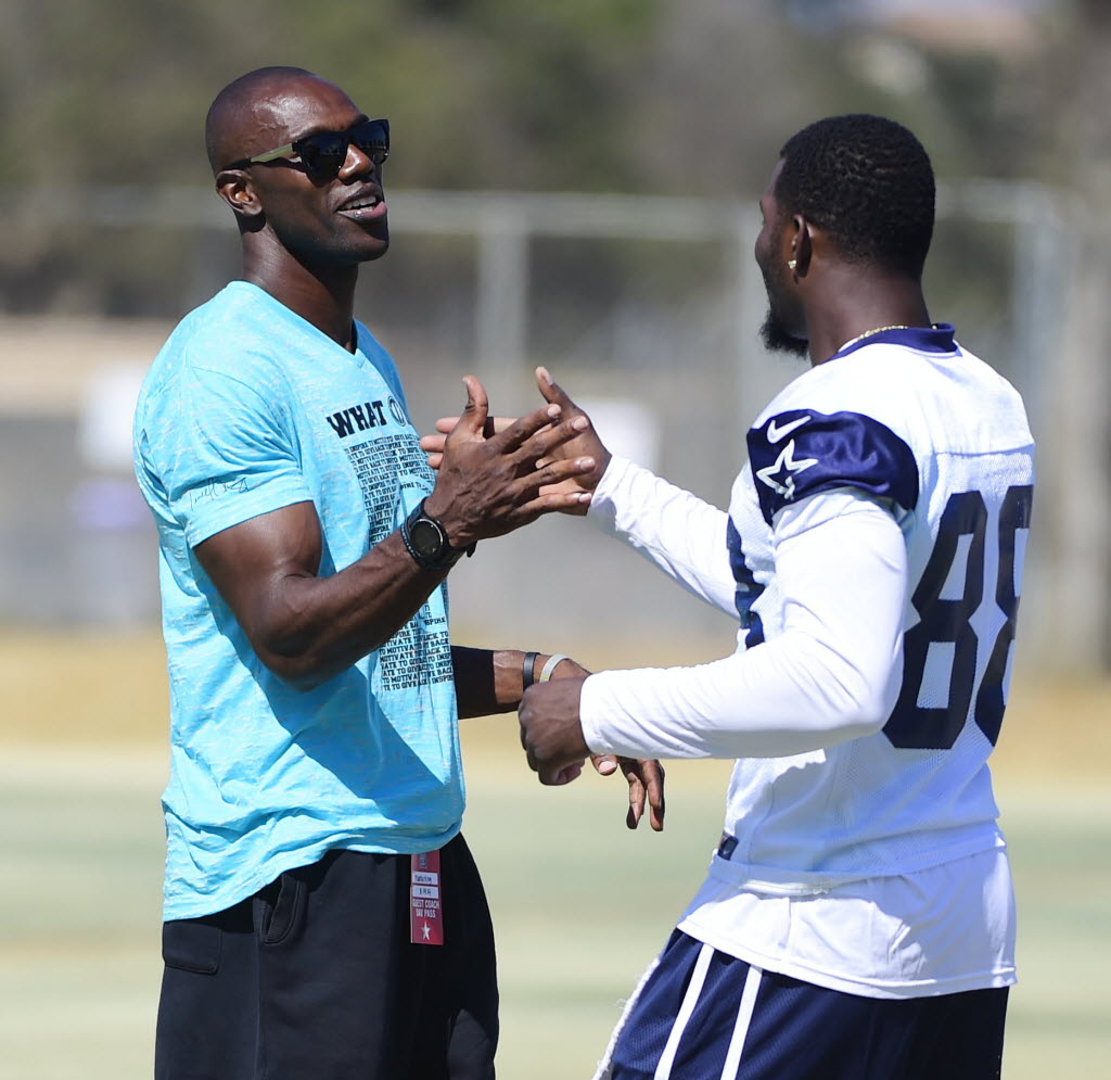 Which player was more difficult for Cowboys to handle: Terrell Owens or Dez Bryant?