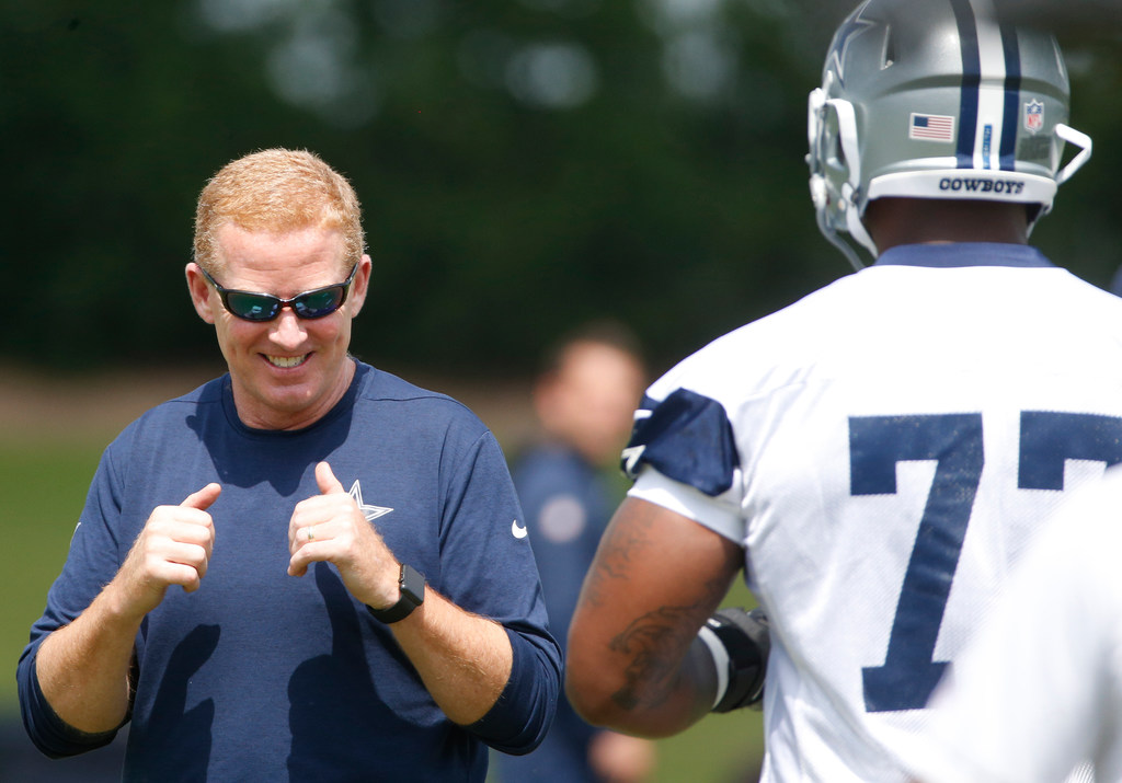 Is Jason Garrett seeing similarities between current Cowboys and legendary Dallas teams of the 1990s?