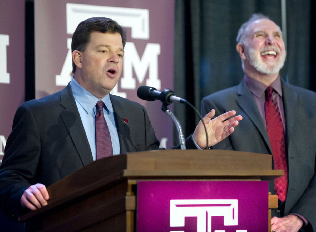 Report: A&M AD Scott Woodward turns down offer from Texas AD Chris Del Conte for home-and-home football series