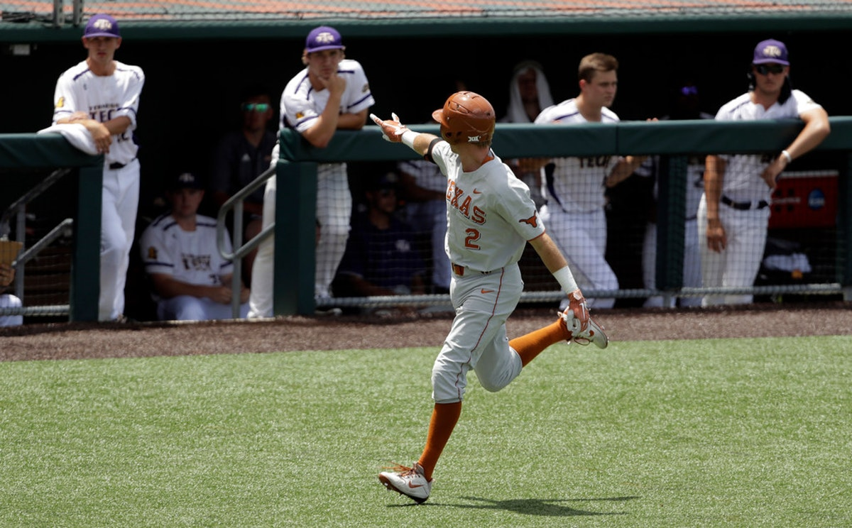1528740586-ncaa-texas-tennessee-tech-team-baseball