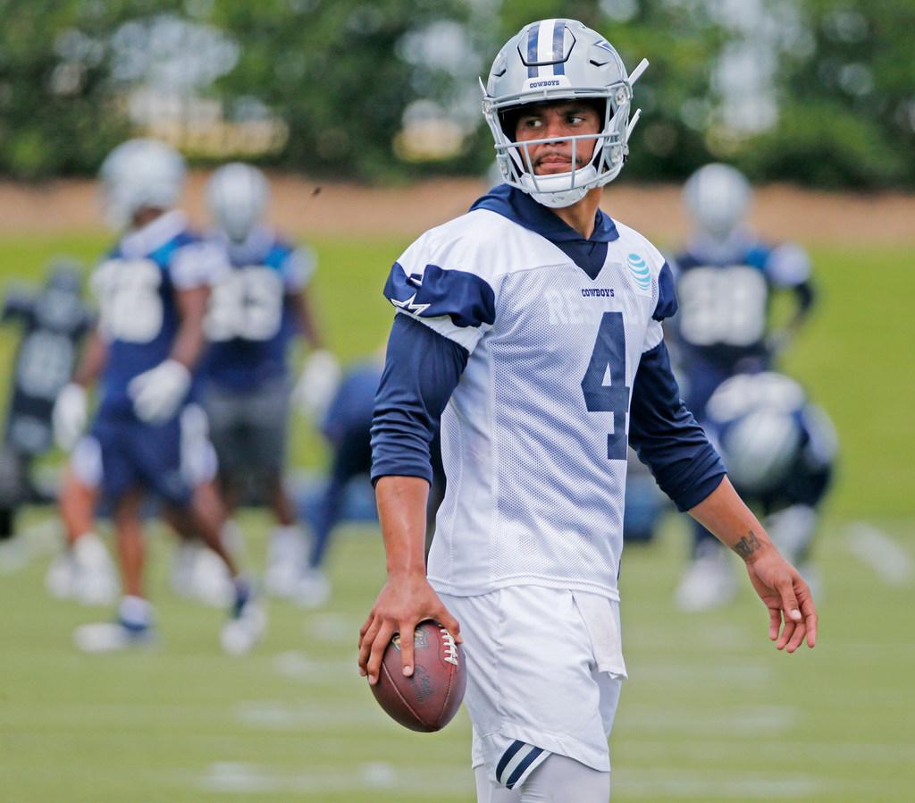 NFL.com writer ranks Dak Prescott among top players from 2016 NFL Draft, but below Eagles' Carson Wentz