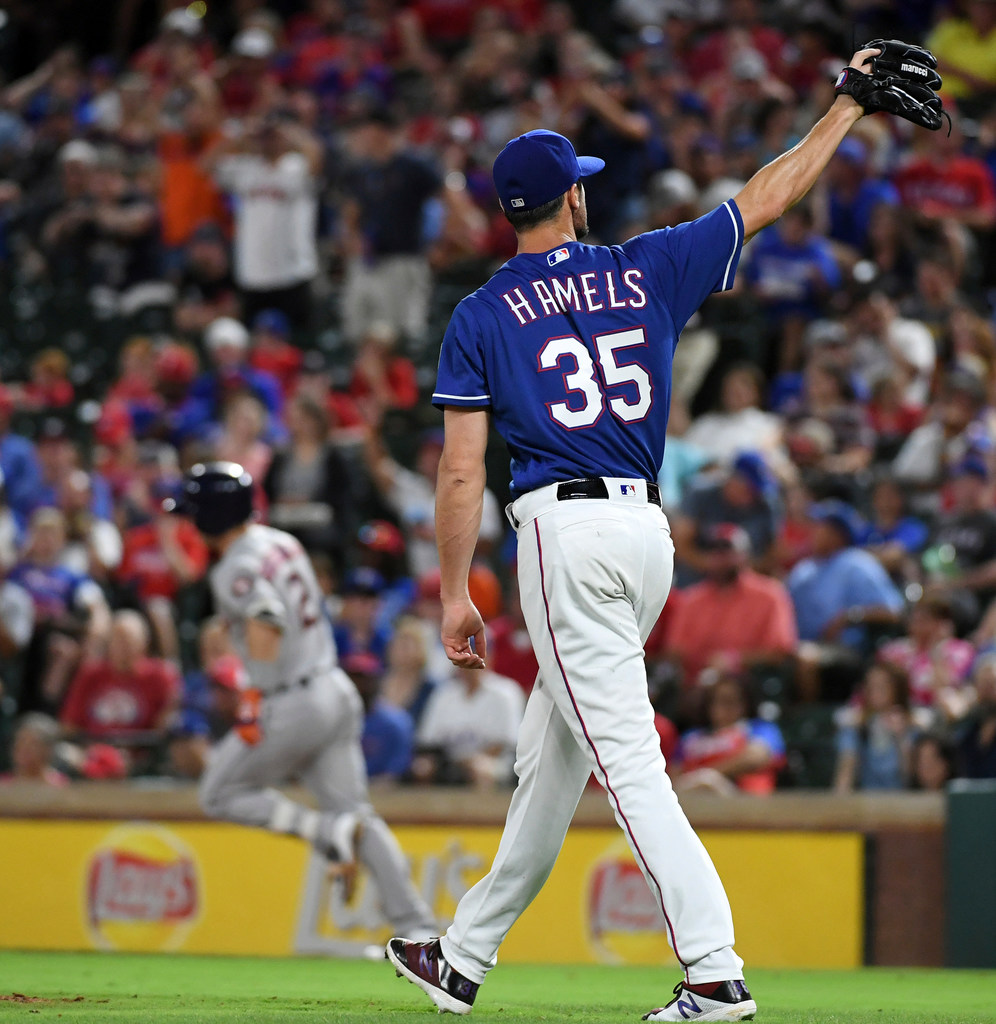 Wednesday's pitching matchup: Hamels on forgettable streak with Rangers