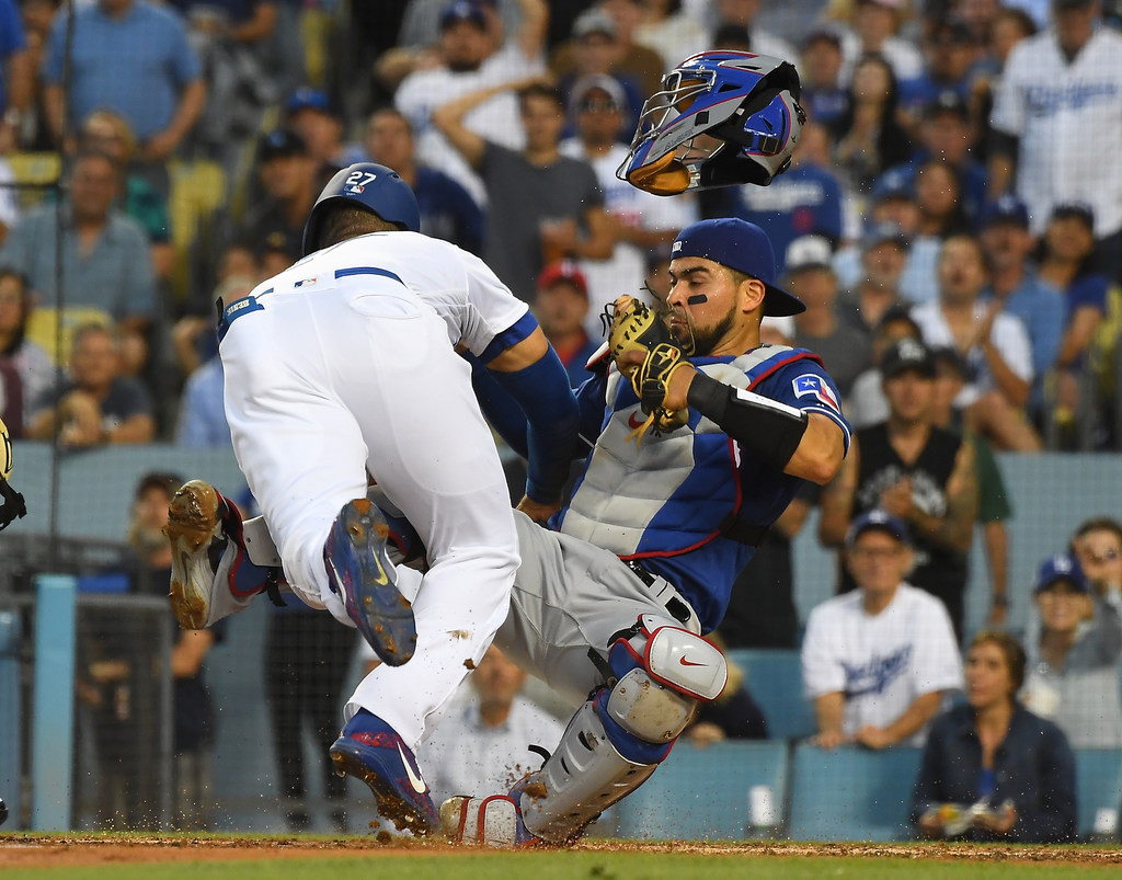 Who was at fault in the Matt Kemp-Robinson Chirinos home-plate collision? Both? Neither? It's unclear...