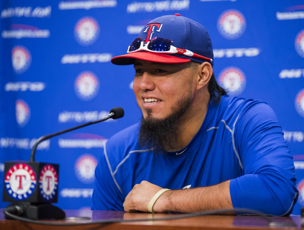 Sunday's pitching matchup: Gallardo begins second stay with Rangers