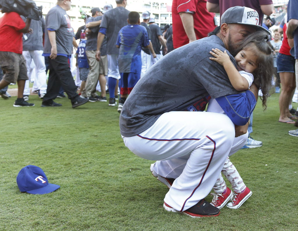 Gallardo expected to stay in Rangers' rotation for extended time