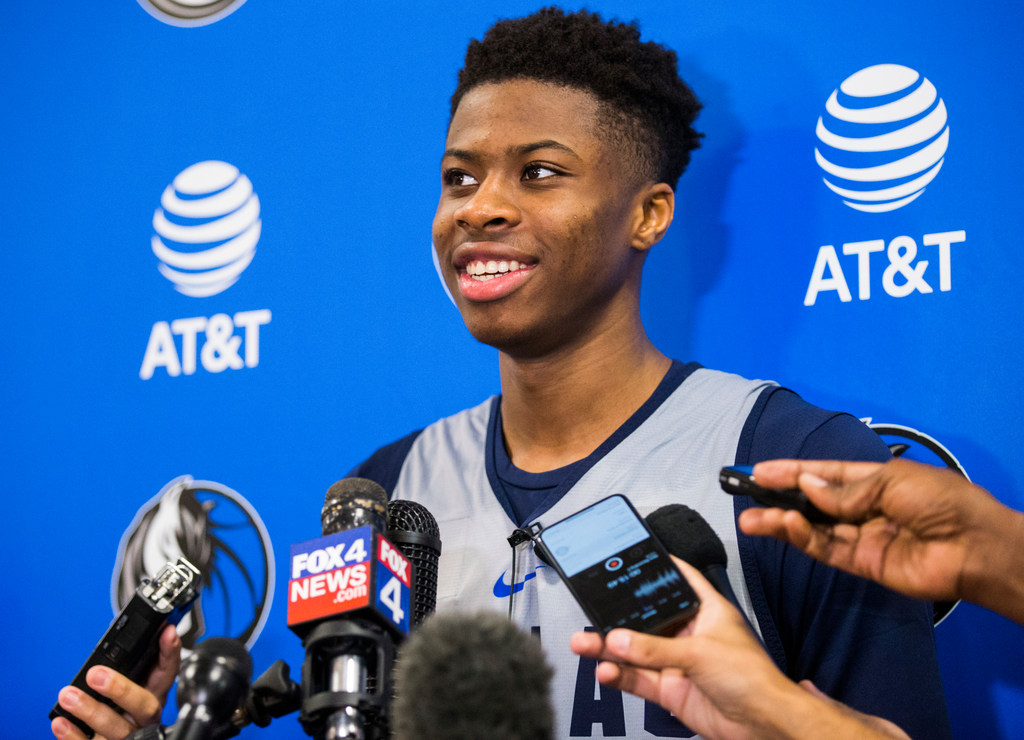 Mavs sign 60th overall pick Kostas Antetokounmpo to two-way contract