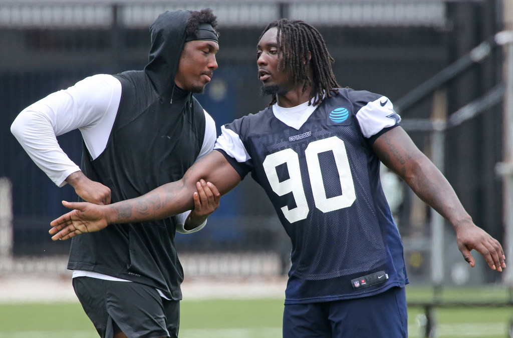 Report: DE DeMarcus Lawrence, Cowboys unlikely to reach long-term deal by Monday deadline