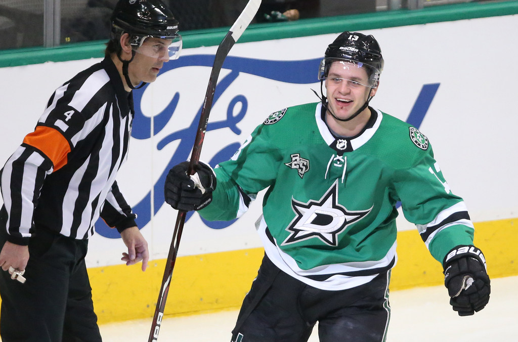 Stars avoid arbitration with Janmark, work out one-year deal