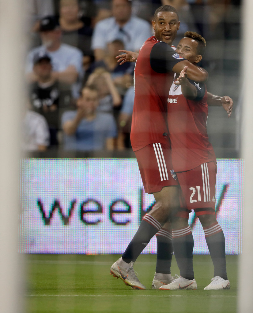 Michael Barrios records first career MLS hat trick, leads FC Dallas to win over Sporting Kansas City