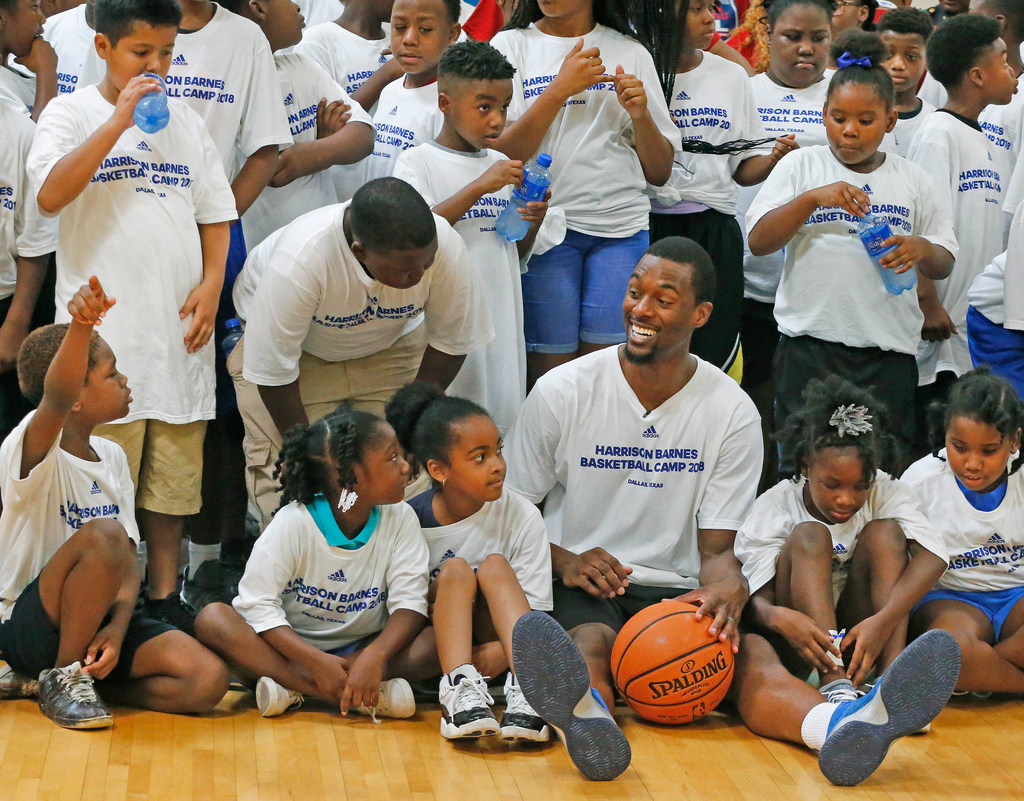 Mavericks forward Harrison Barnes, teaming with retired Dallas Police Chief David Brown, hosts second annual basketball camp and back-to-school shopping spree