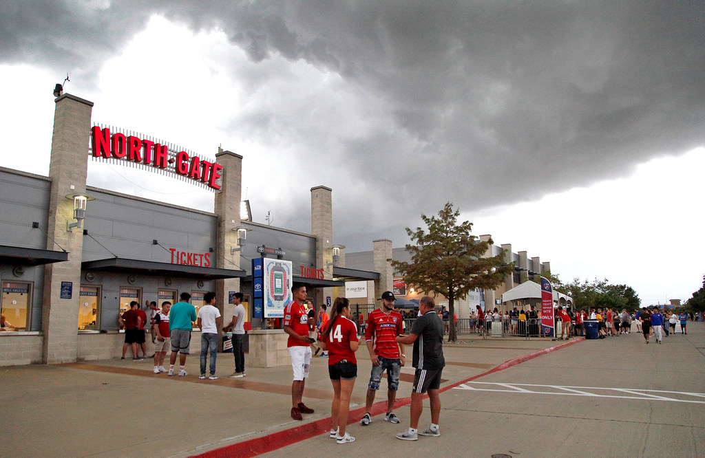 Inside how FC Dallas stayed entertained during Saturday's long lightning delay