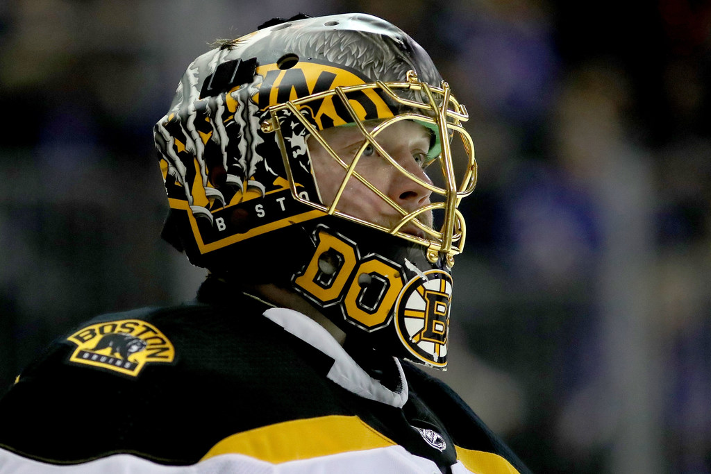 He's never seen the movies, but that won't stop Stars' Anton Khudobin from rocking a Harry Potter-inspired goalie mask this season