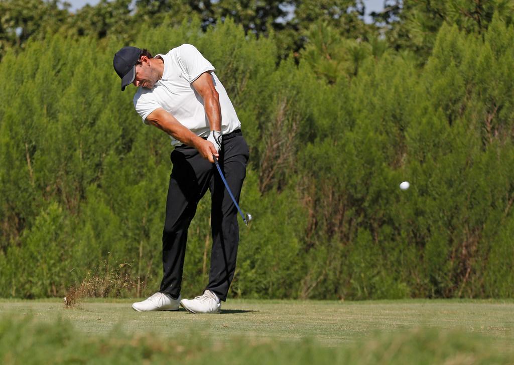 Local links: Former Cowboys quarterback Tony Romo continues quest to qualify for Web.com Tour