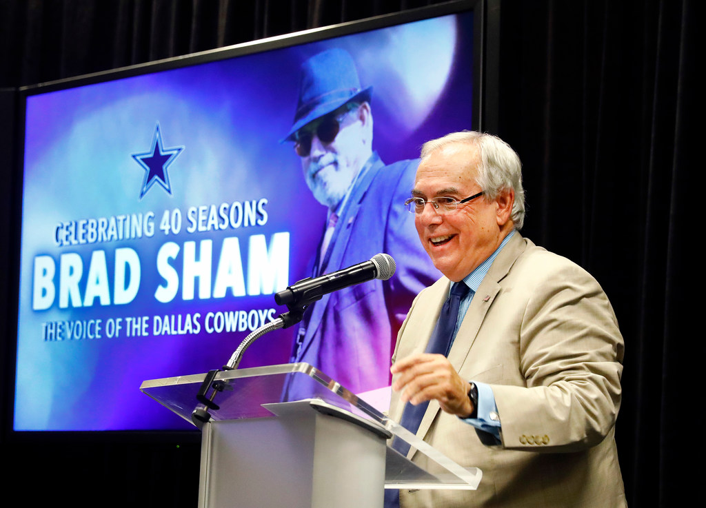 How Connor Williams improved from Week 1 to 2; check out Cowboys' tribute video to radio broadcaster Brad Sham