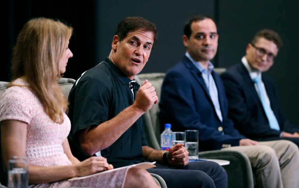 Why it was 'bad optics' for Mark Cuban to not be in Dallas during release of Mavs investigation
