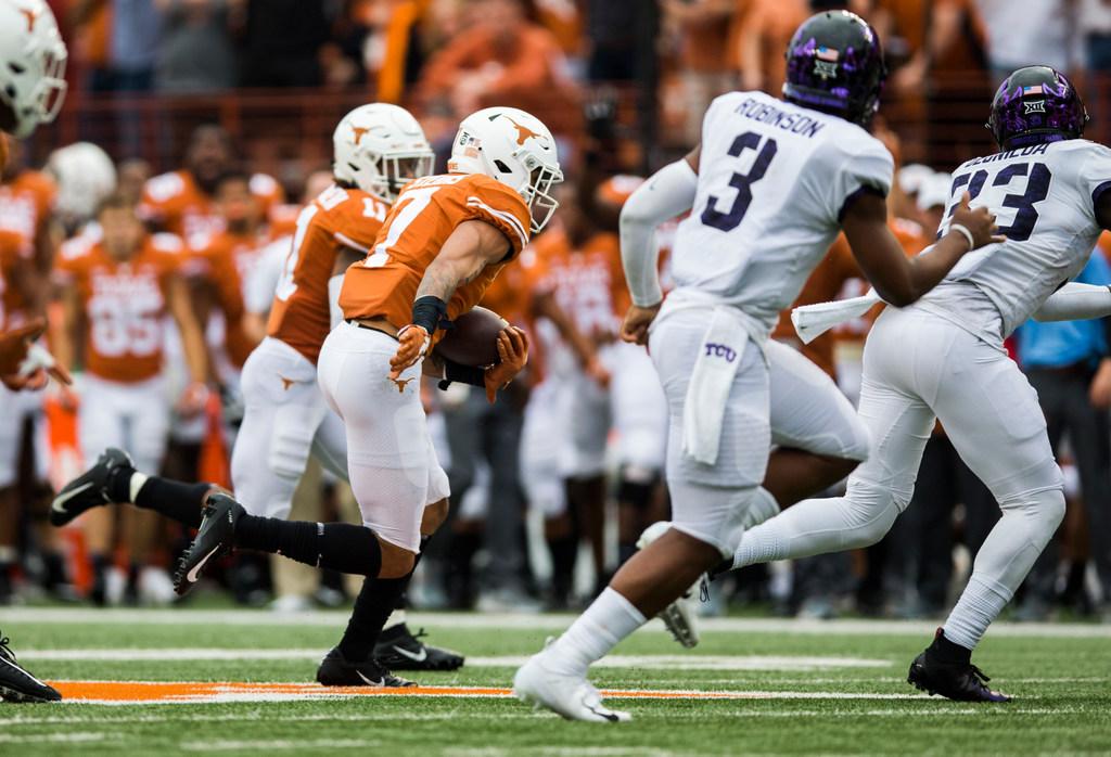 Texas freshman S Caden Sterns named Big 12 Newcomer of the Week