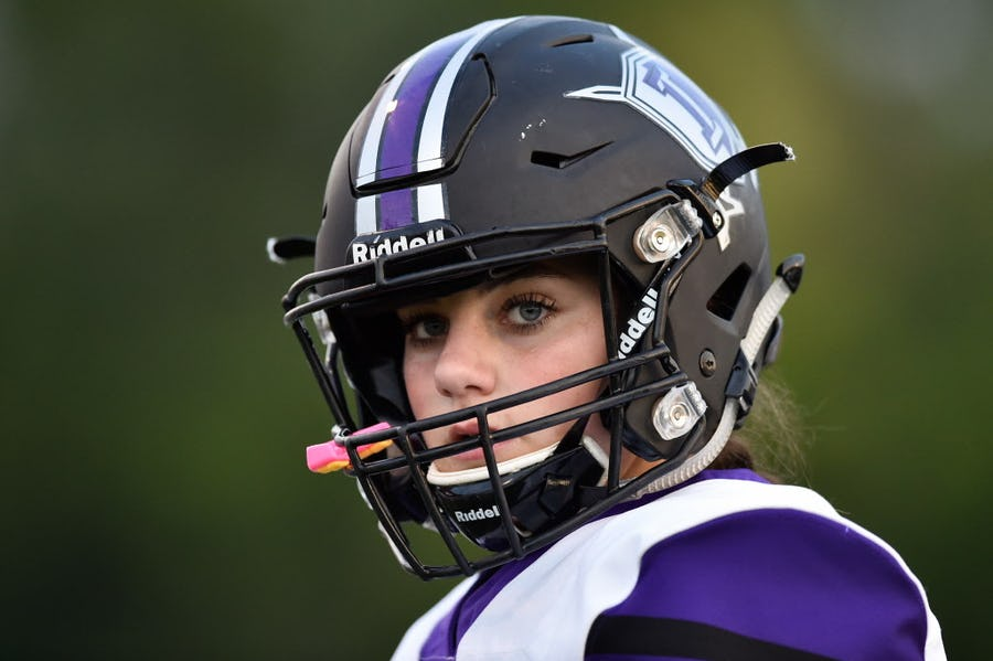 In era of #MeToo and pushes for women's empowerment, this Dallas-area kicker embodies rise in girls playing high school football | SportsDay