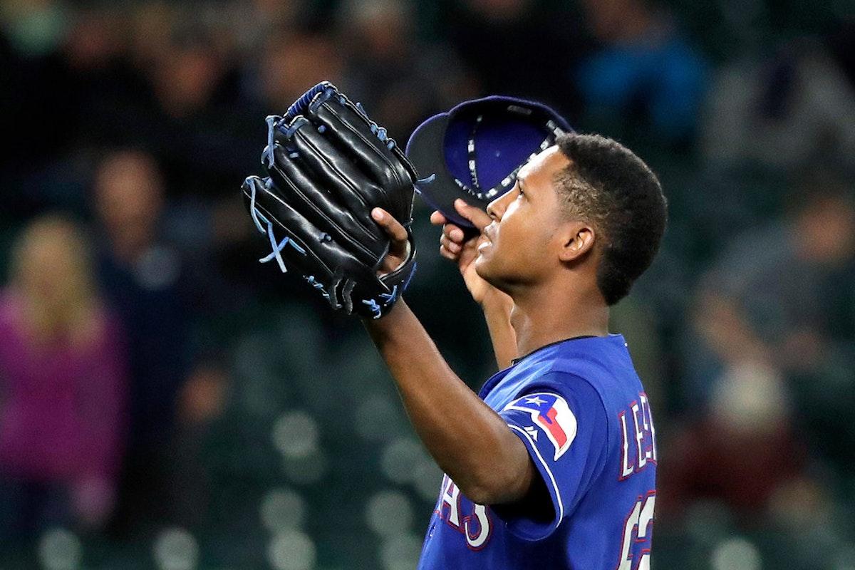 1538113628-rangers-mariners-baseball