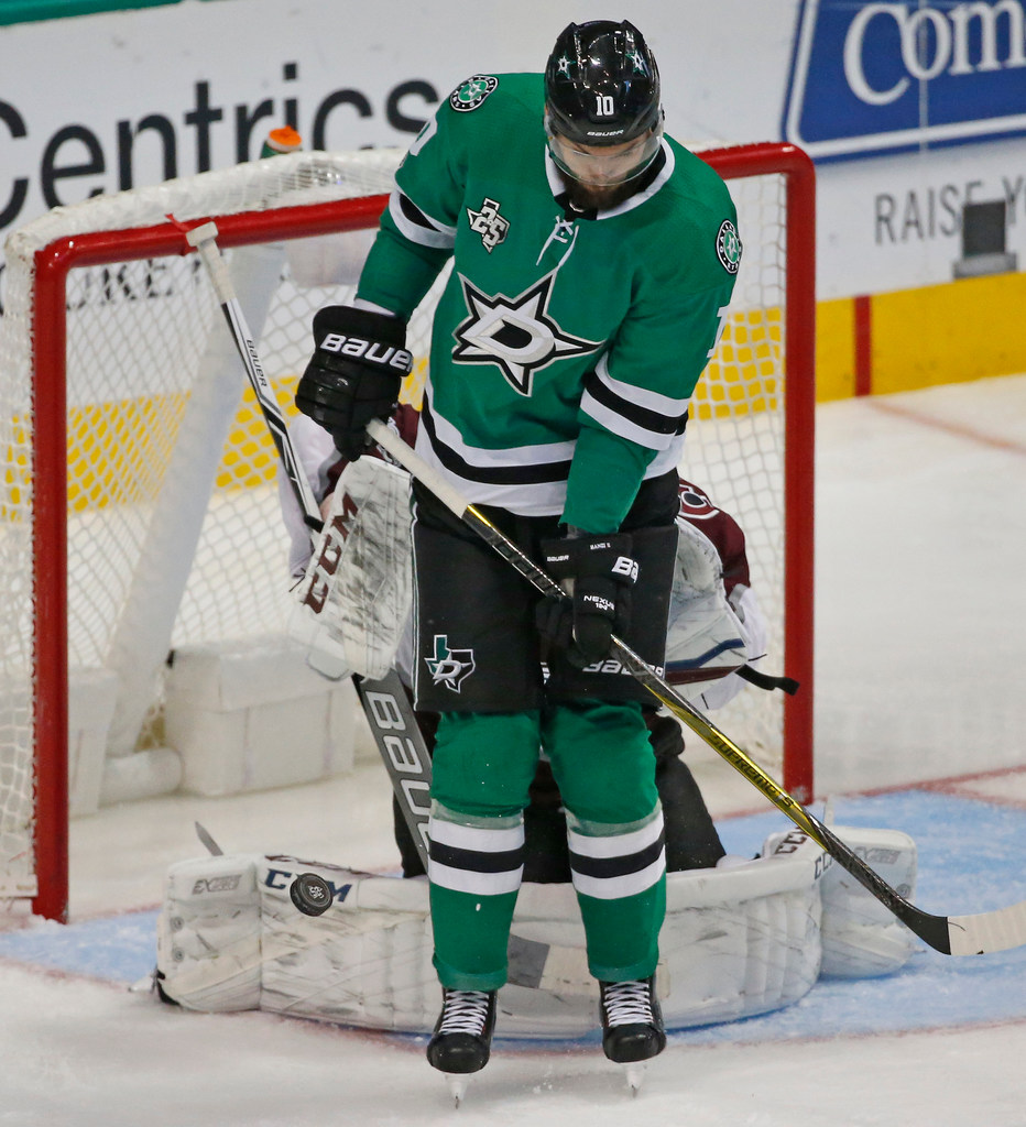 Stars center Martin Hanzal optimistic about progress in recovery from back surgery