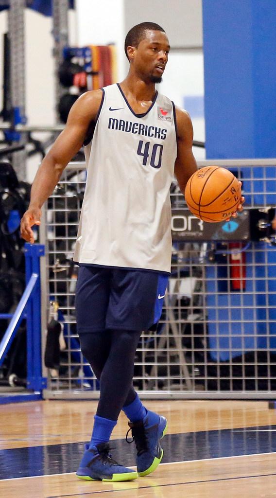 Will Harrison Barnes be ready for the Mavericks' season opener?