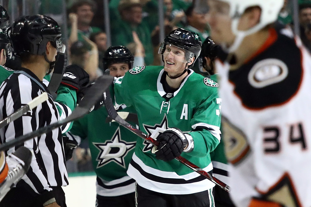 Offensive eruption powers Dallas Stars to 'character win' over Ducks