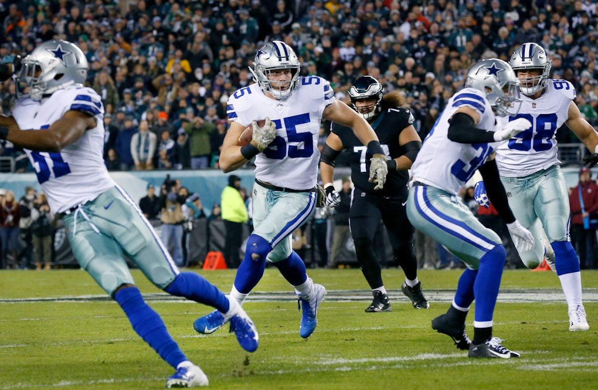 Dallas Cowboys Roster >> Dallas Cowboys: Cowboys rookie LB Leighton Vander Esch wins NFC Defensive Player of the Week ...