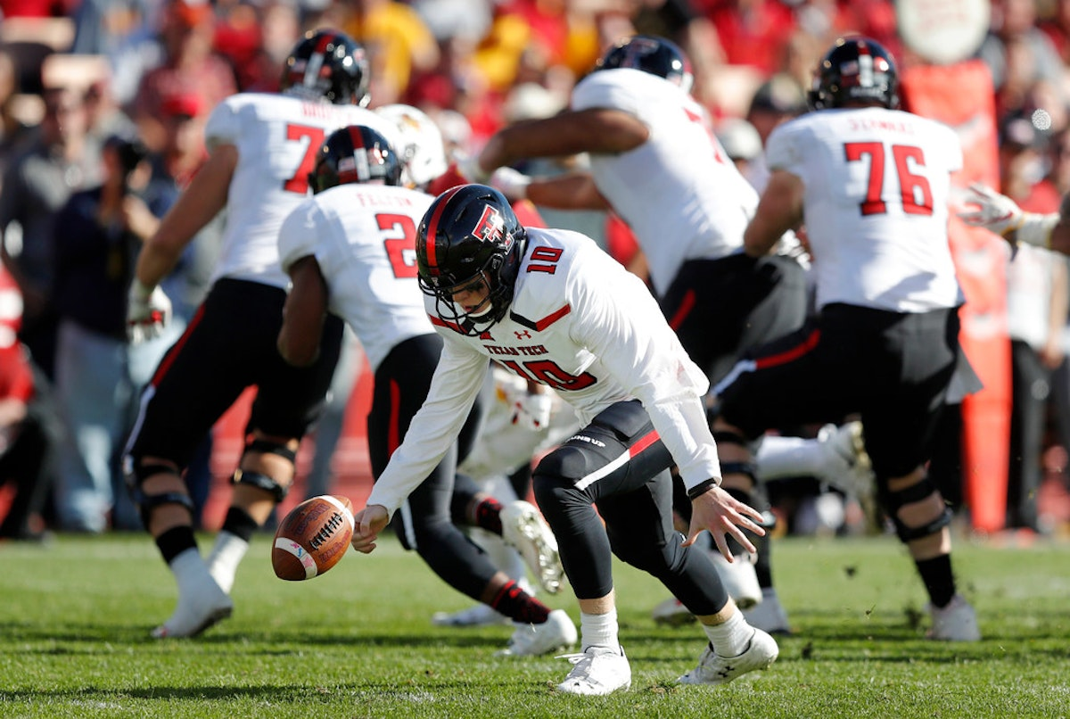 1544314080-texas-tech-iowa-st-football