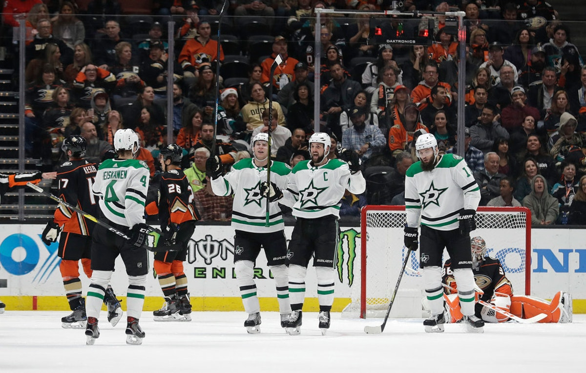 1544684067-stars-ducks-hockey