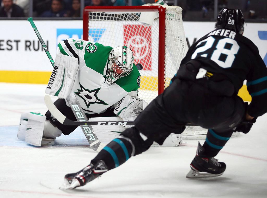 1544772999-stars-sharks-hockey