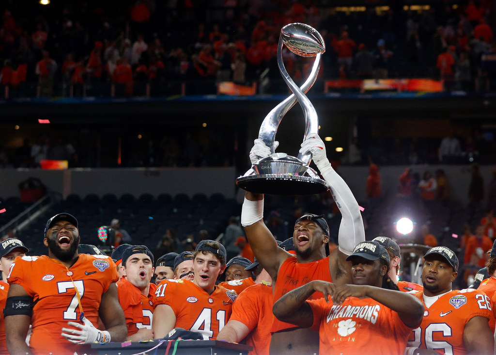 College Sports Cotton Bowl Notebook Clemson On The Right Side Of Replay Notre Dame Sets Multiple Records Good And Bad