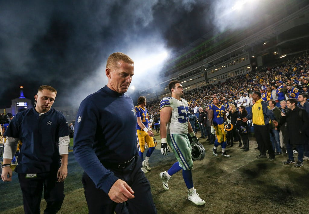 If the Cowboys are keeping Jason Garrett, the least he can do is quit coaching like it's 2016
