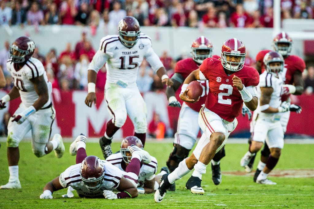 How OU's Jalen Hurts changes the quarterback dynamic in the Big 12