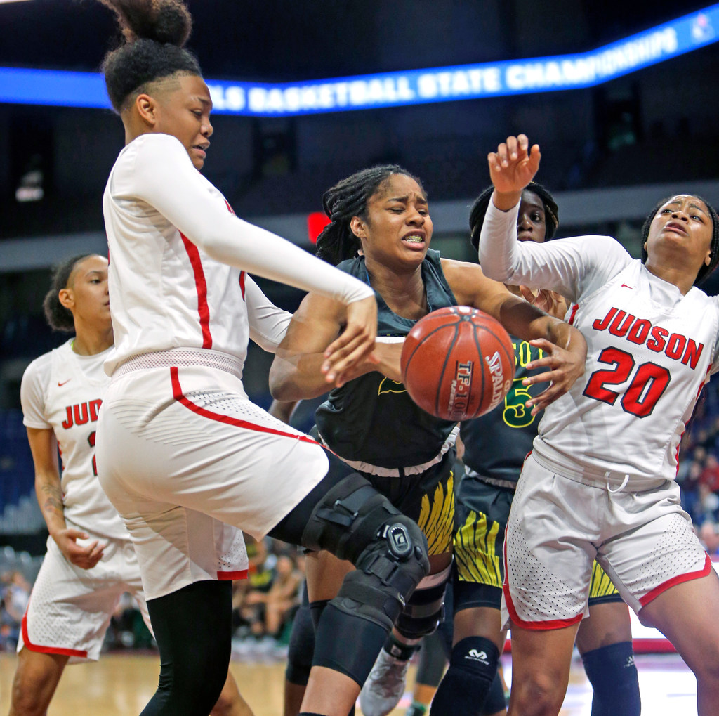 5ef35ae8a8cd72 A young DeSoto team falls to Converse Judson in 6A state finals