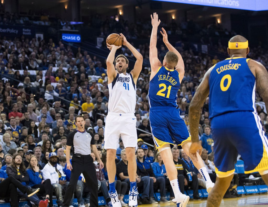 40-year-old Dirk Nowitzki has vintage performance in farewell game to Oracle Arena