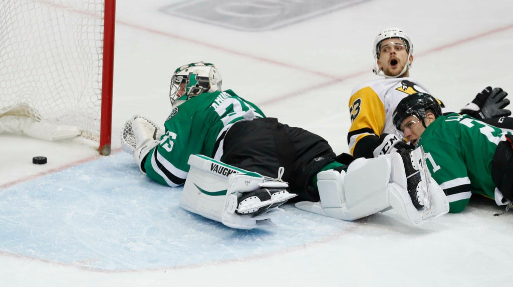 Stars let opportunities at home slip away vs. Penguins, and playoff push isn't getting any easier