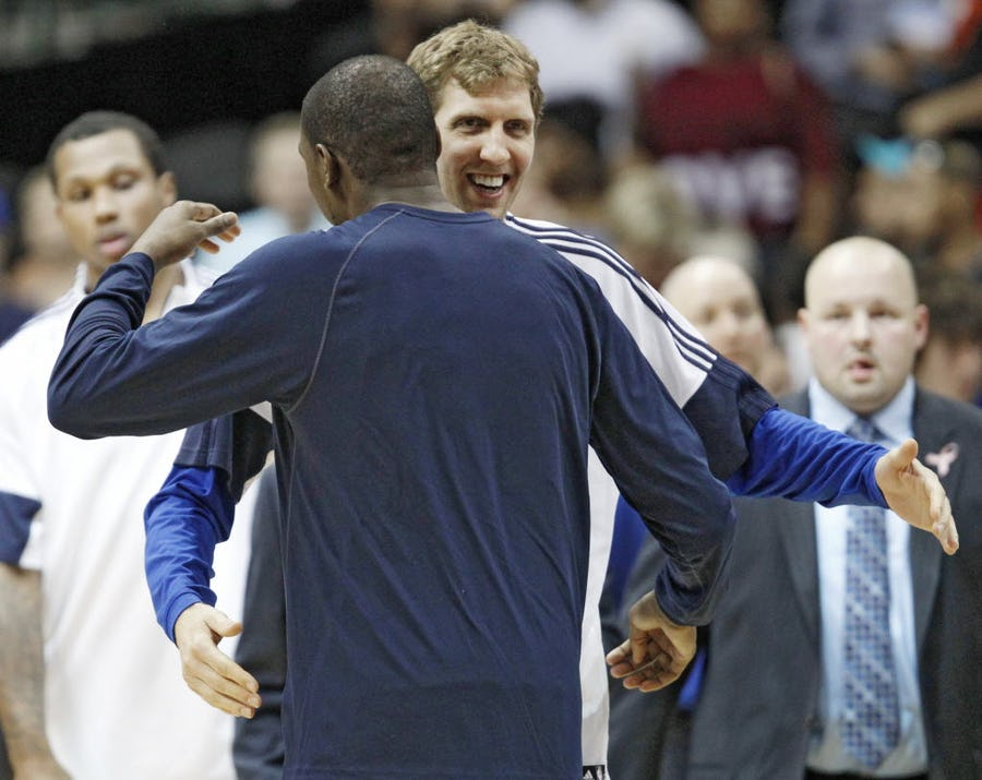 Kevin Durant's costly injury brings back memories of Mavs not allowing hobbled Dirk Nowitzki to play in 2003 playoffs