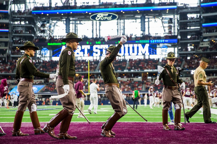 Breaking down pros and cons of Texas A&M-Arkansas games at AT&T Stadium, and potential surprise teams in the SEC