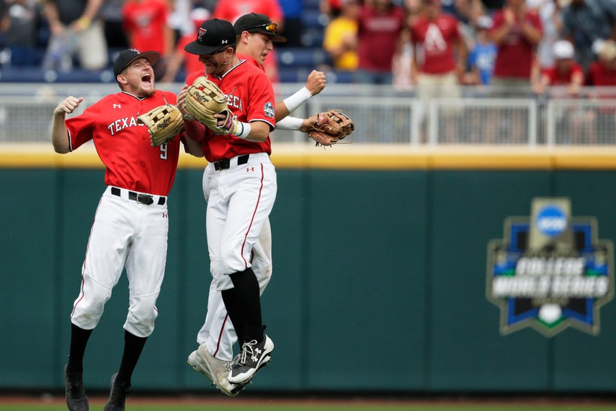 Cody Masters' triple pushes Texas Tech to dramatic win in CWS elimination game vs. Arkansas
