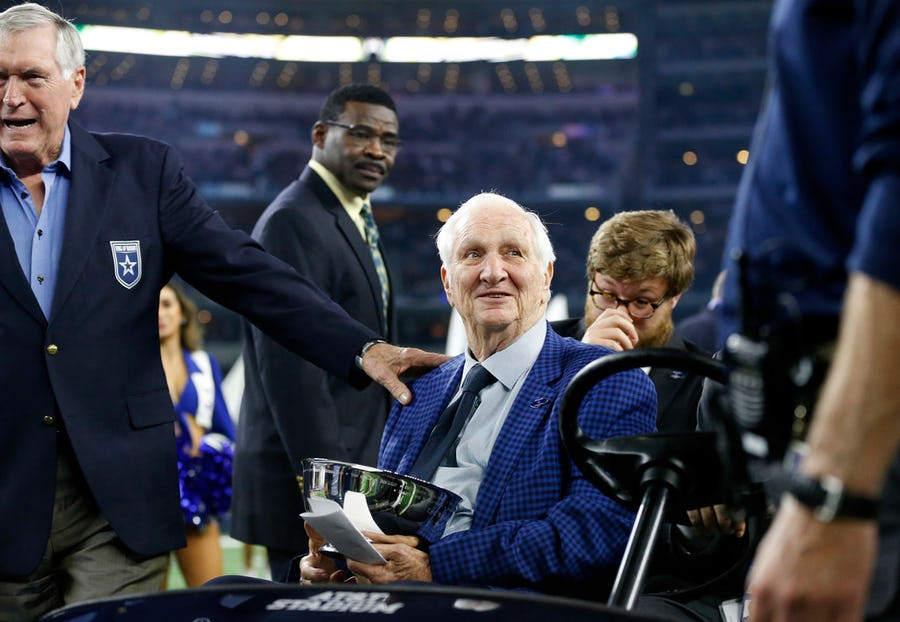Cowboys Ring of Honor member Gil Brandt, wife narrowly avoid getting shot while driving in Montana | SportsDay