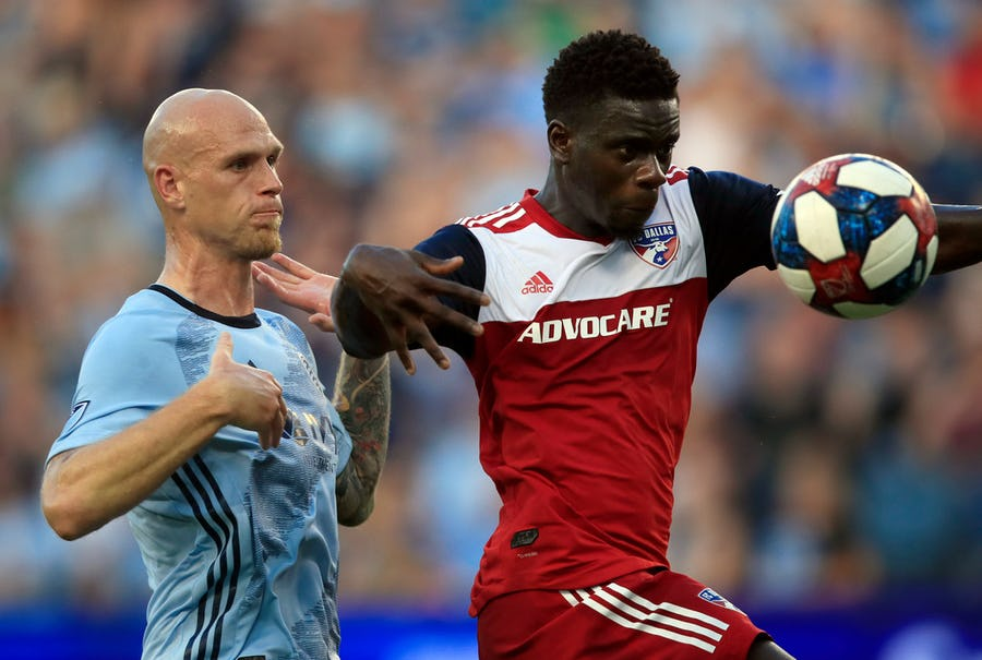 FC Dallas stifles Sporting KC for statement 2-0 victory | SportsDay