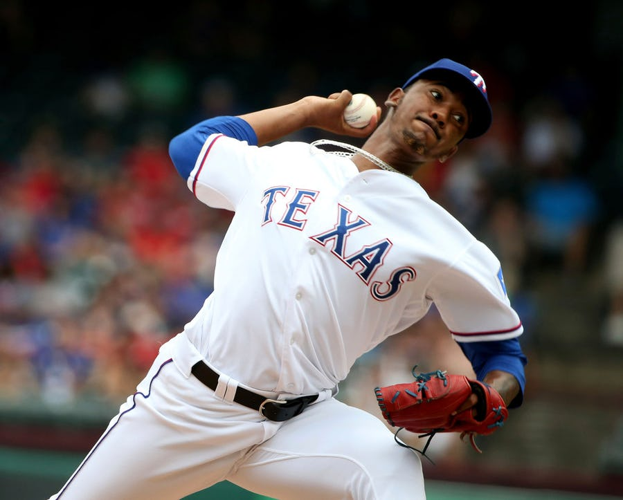Computers don't know what to make of Emmanuel Clase's cut fastball, the pitch Rangers' catchers can only describe as a 'thing'   SportsDay
