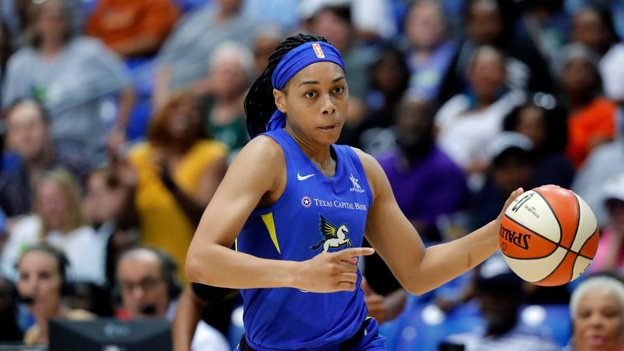 Allisha Gray's 1,000-point milestone shows how different Arike Ogunbowale's Rookie of the year campaign is from hers in 2017 | SportsDay