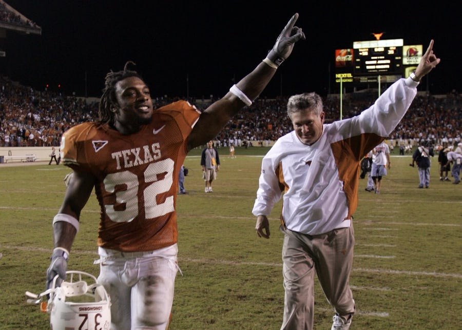 Former Longhorns RB Cedric Benson dies in motorcycle accident, reports say | SportsDay