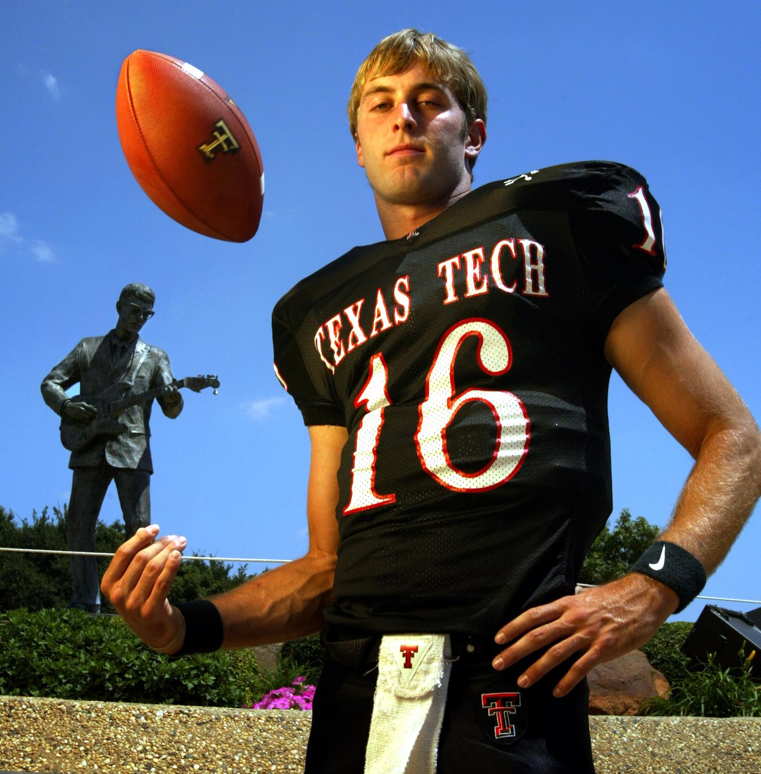 Kliff Kingsbury during his playing career in Texas Tech Red Raiders