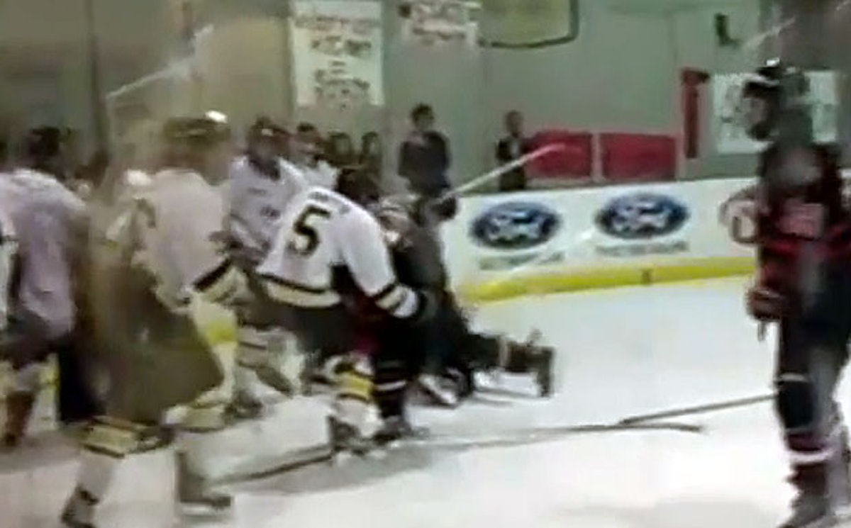 Keller-Arlington Martin hockey state final brawl hospitalizes player with  concussion, broken jaw (video) | SportsDay